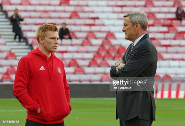 Sunderland chairman Ellis Short chats with Duncan Watmore before the Sky Bet Championship match between Sunderland and Derby County at Stadium of...