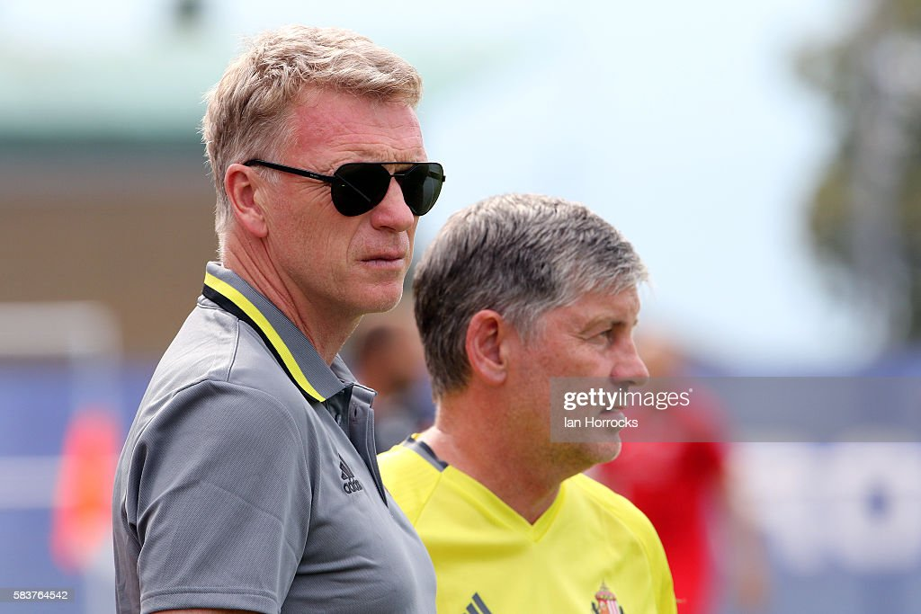 Sunderland manager David Moyes chats with coach Paul Bracewell during the preseason friendly match between Dijon FCO and Sunderland AFC at Stade...