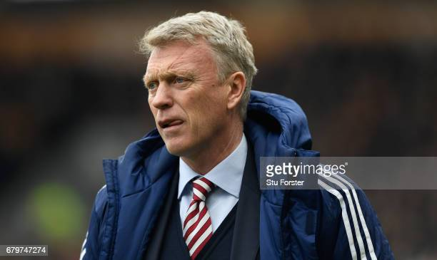 Sunderland manager David Moyes looks on during the Premier League match between Hull City and Sunderland at KCOM Stadium on May 6 2017 in Hull England
