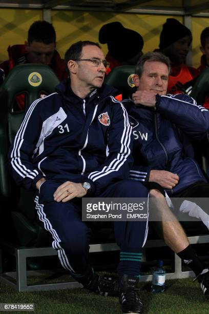 Sunderland manager Martin O'Neill and coach Steve Walford on the bench