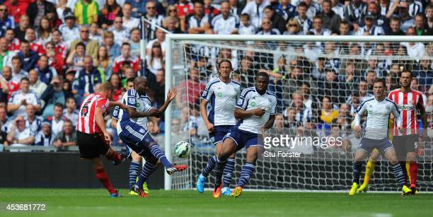 Sunderland player Lee Cattermole scores the opening goal during the Barclays Premier League match between West Bromwich Albion and Sunderland at The...