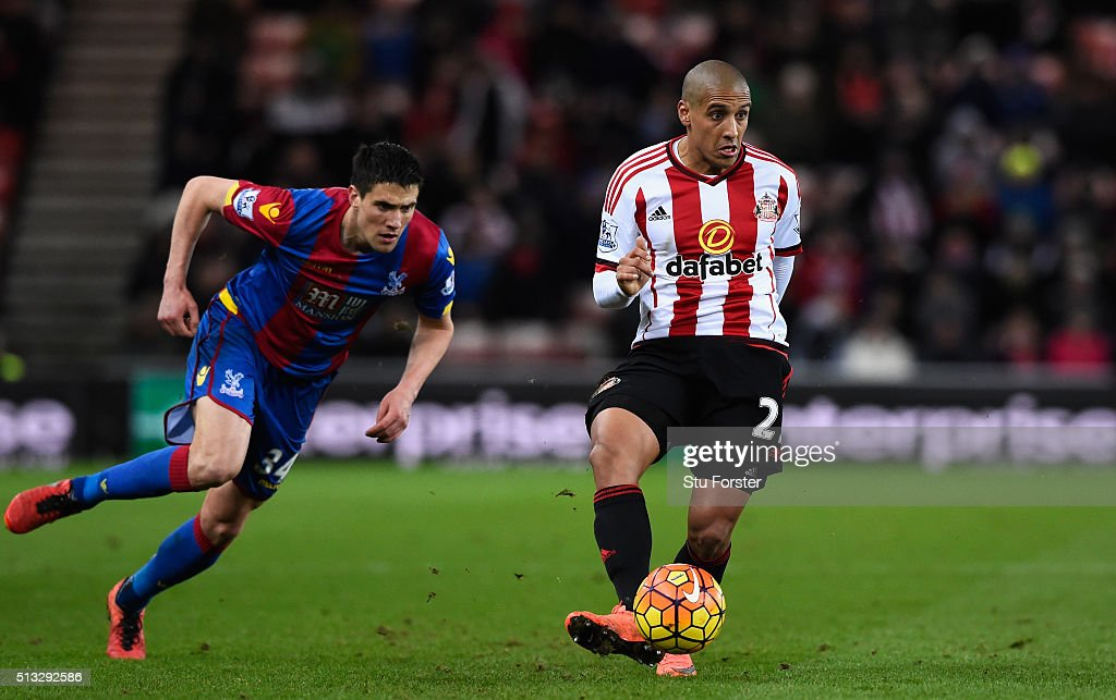 Sunderland player <a gi-track='captionPersonalityLinkClicked' href=/galleries/search?phrase=Wahbi+Khazri&family=editorial&specificpeople=7211185 ng-click='$event.stopPropagation()'>Wahbi Khazri</a> (r) holds off the challenge of <a gi-track='captionPersonalityLinkClicked' href=/galleries/search?phrase=Martin+Kelly+-+Soccer+Player&family=editorial&specificpeople=7282487 ng-click='$event.stopPropagation()'>Martin Kelly</a> of Palace during the Barclays Premier League match between Sunderland and Crystal Palace at Stadium of Light on March 1, 2016 in Sunderland, England.