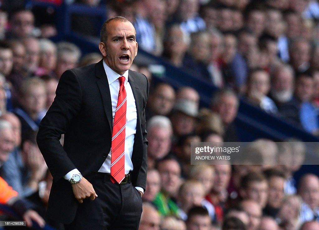 Sunderland's Italian manager Paolo Di Canio reacts on the touch line during the English Premier League football match between West Bromwich Albion and Sunderland at The Hawthorns in West Bromwich, central England, on September 21, 2013. AFP PHOTO / ANDREW YATES USE. No use with unauthorized audio, video, data, fixture lists, club/league logos or live services. Online in-match use limited to 45 images, no video emulation. No use in betting, games or single club/league/player publications.