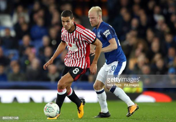 Sunderland's Jack Rodwell and Everton's Davy Klaassen battle for the ball during the Carabao Cup Third Round match at Goodison Park Liverpool