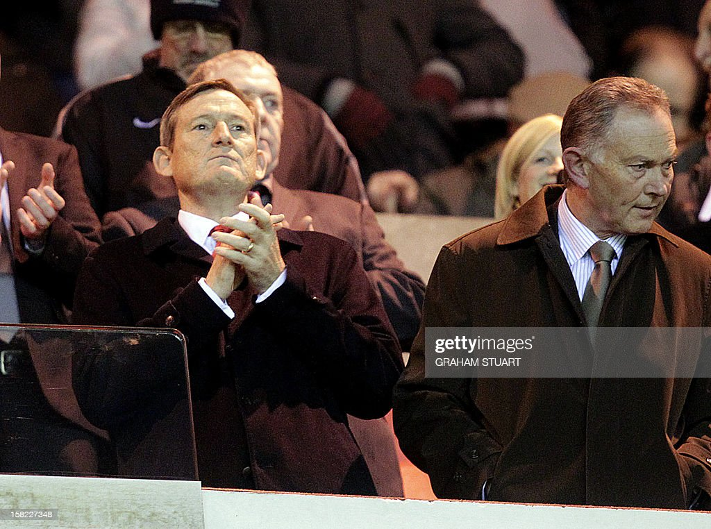 Sunderland's US owner Ellis Short looks on as his team plays against Reading during their English Premier League football match at the Stadium of Light, Sunderland, England, on December 11, 2012. AFP PHOTO/GRAHAM STUART USE. No use with unauthorized audio, video, data, fixture lists, club/league logos or 'live' services. Online in-match use limited to 45 images, no video emulation. No use in betting, games or single club/league/player publications.