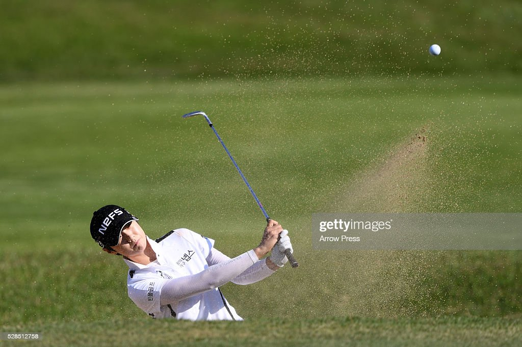 Sung Hyun park of South Korea hits from a bunker on the 6th hole during the first round of the World Ladies Championship Salonpas Cup at the Ibaraki Golf Club on May 5, 2016 in Tsukubamirai, Japan.