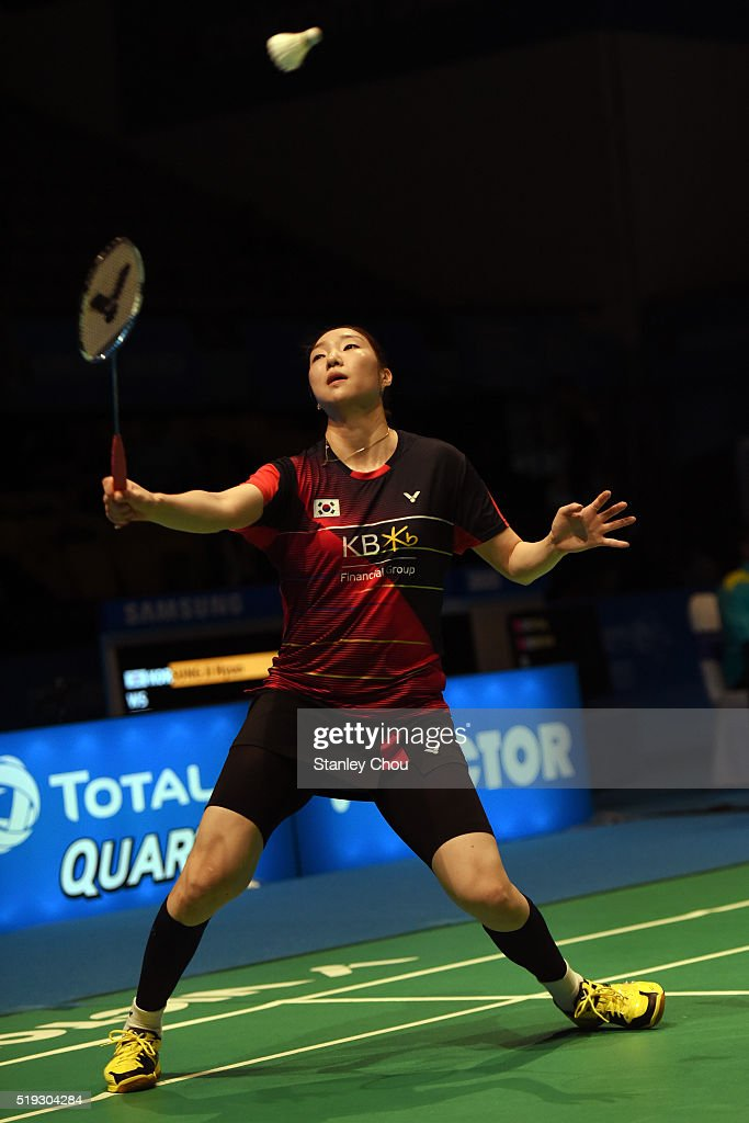 Sung Ji Hyun of South Korea returns to Sayaka Sato of Japan in the Women Singles during round one of the BWF World Super Series Badminton Malaysia Open at Stadium Malawati on April 6, 2016 in Shah Alam, Malaysia.