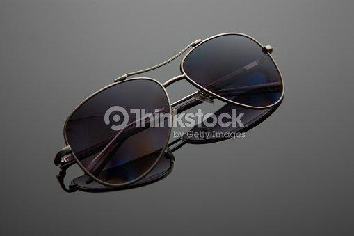 7b2292cf7943ee Forme de verres de lunettes de soleil drop, armature en métal pour la  police, pilotes, espions, élégant dégradé avec filtre polarisant.