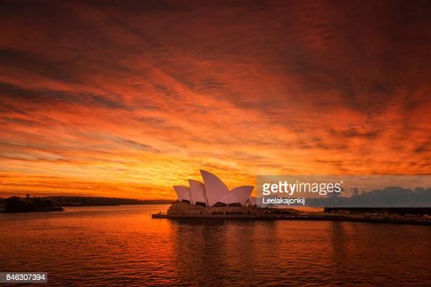 Sunning sunrise Sydney Opera house