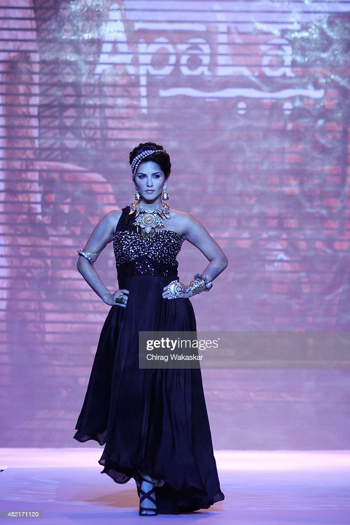 <a gi-track='captionPersonalityLinkClicked' href=/galleries/search?phrase=Sunny+Leone&family=editorial&specificpeople=4105641 ng-click='$event.stopPropagation()'>Sunny Leone</a> walks the runway at the Apala show during day 1 of the India International Jewellery Week 2014 at grand Hyatt on July 14, 2014 in Mumbai, India.