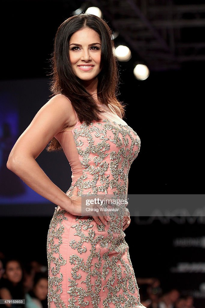 <a gi-track='captionPersonalityLinkClicked' href=/galleries/search?phrase=Sunny+Leone&family=editorial&specificpeople=4105641 ng-click='$event.stopPropagation()'>Sunny Leone</a> walks the runway wearing designs by Jyotsna Tiwari at Lakme Fashion Week Summer/Resort 2014 at the Grand Hyatt on March 16, 2014 in Mumbai, India.