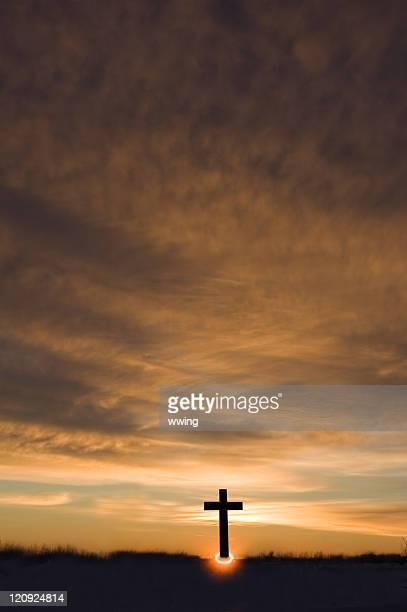 日の出とクロス