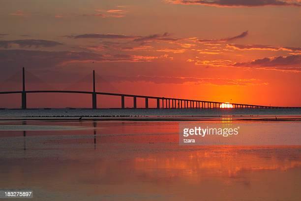 Lever du soleil au Skyway Bridge