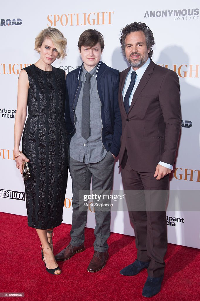 Sunrise Coigney, Keen Ruffalo and Actor Mark Ruffalo attend the 'Spotlight' New York premiere at Ziegfeld Theater on October 27, 2015 in New York City.