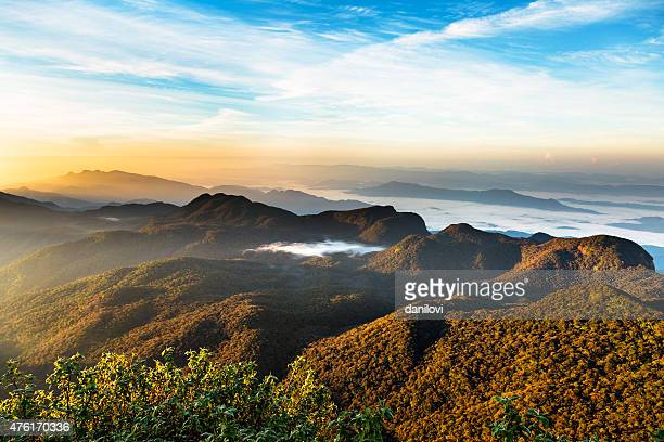Sonnenaufgang über Adam's peak, Sri Lanka