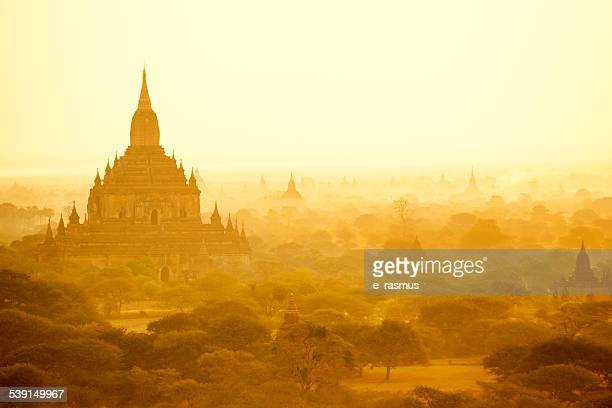 Lever du soleil de Bagan