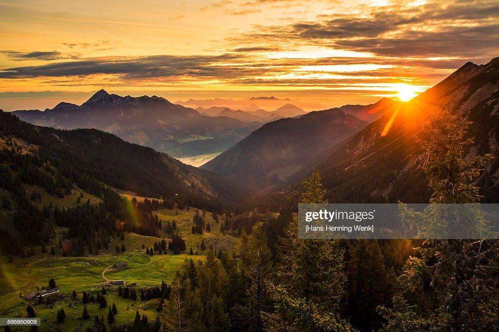 Sunrise over mountains : ストックフォト