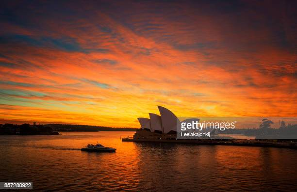 Sunrise Sydney Opera house