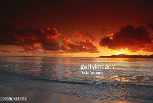 Sunset at beach, view : Stock Photo
