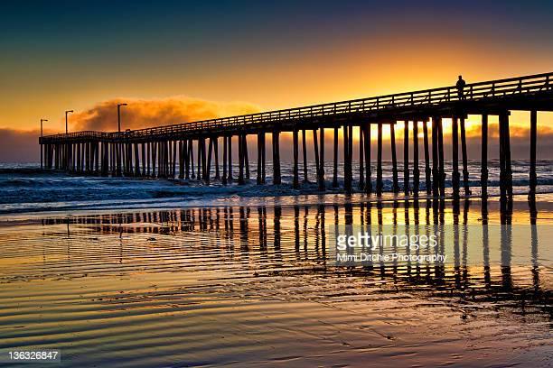 Sunset at cayucos pier