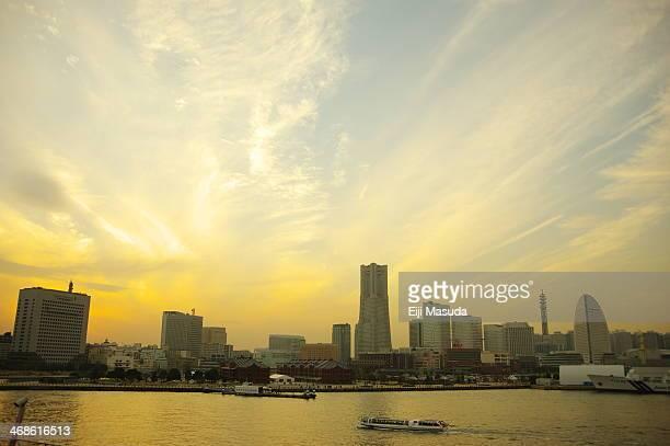 Sunset at Minatomirai-Yokohama.jpg