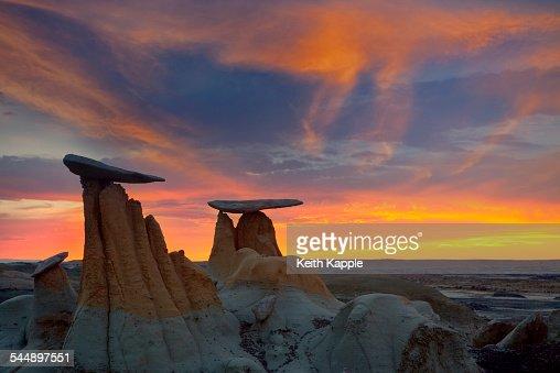 Sunset at The Ah-shi-sle-pah Badlands, New Mexico