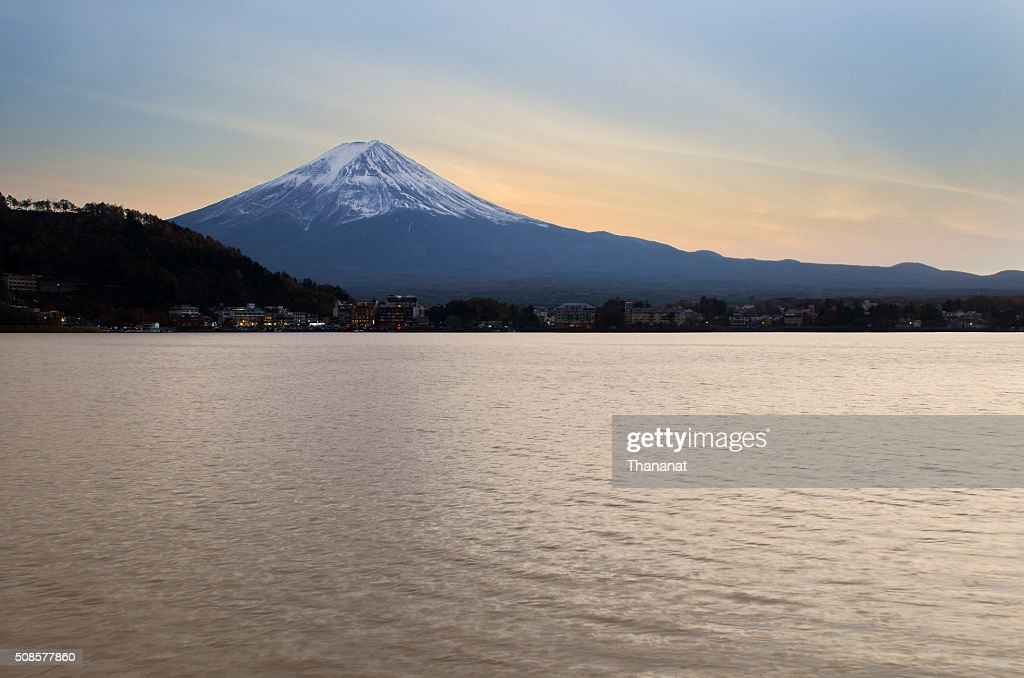 Sonnenuntergang-Fuji-Berg in Japan. : Stock-Foto