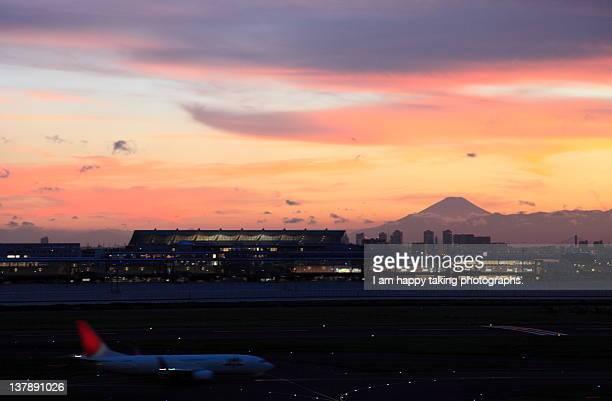 Sunset in Haneda airport.