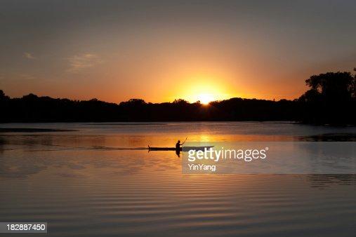 Sunset Kayaking in Lake of the Isles, Minneapolis, Minnesota