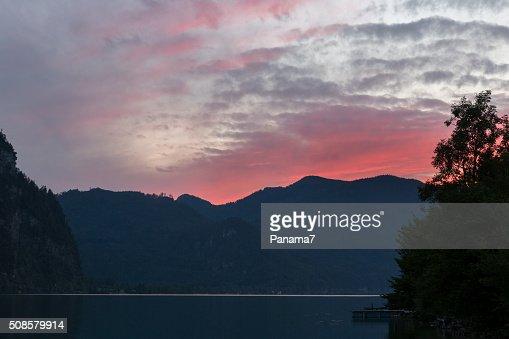 Tramonto sul Lago Mondsee Alpi, Austria : Foto stock