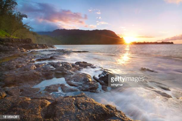 夕暮れのノースョアカウアイ島(ハワイ州)