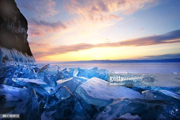 Coucher du soleil en hiver lac Baïkal