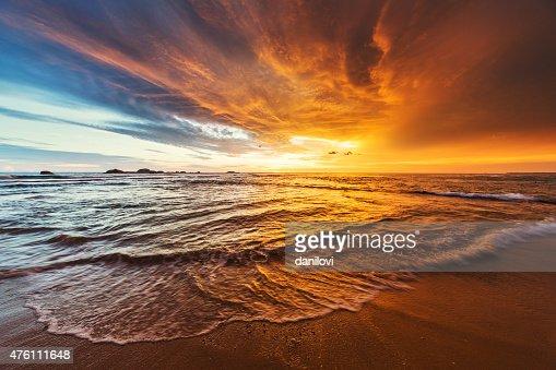 Pôr do sol sobre o Oceano Índico