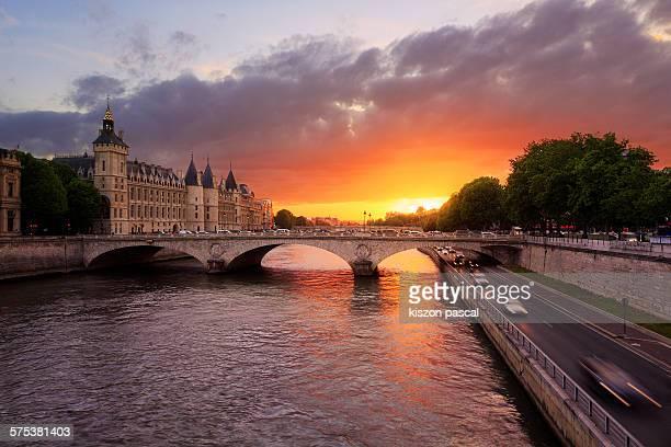 Sunset over 'la conciergerie' in Paris