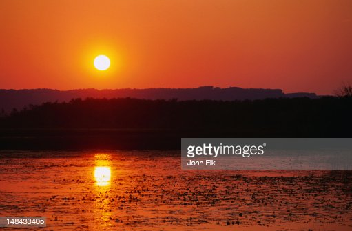 Sunset over the mighty Mississippi River, Winona : Stock Photo