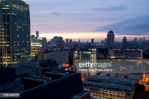 Sunset View from rooftop of building, Brooklyn, NY : ストックフォト
