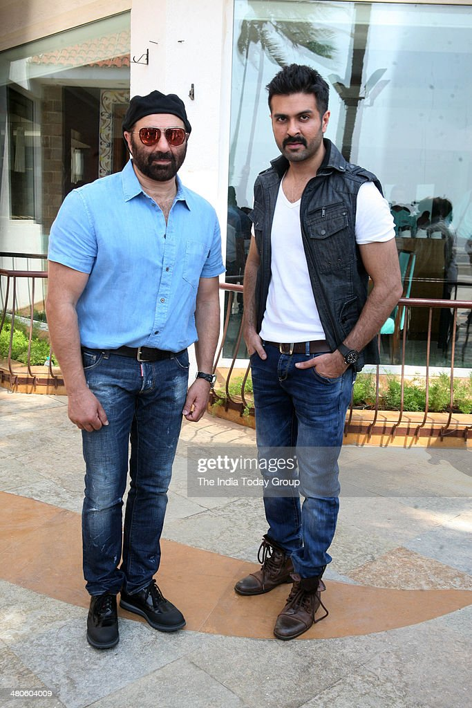 Suny Deol and Harman Baweja during the press conference held for the movie Dishkiyaaoon in Mumbai.