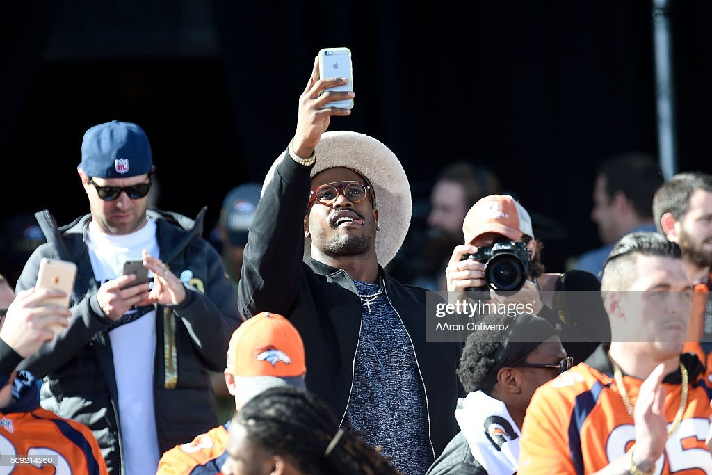 Super Bowl MVP Von Miller takes a photo on the City and County Building steps during the Denver Broncos Super Bowl championship celebration and parade on Tuesday February 9, 2016.