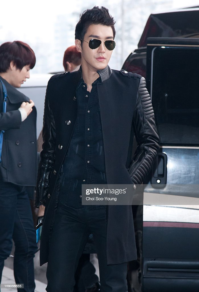<a gi-track='captionPersonalityLinkClicked' href=/galleries/search?phrase=Super+Junior&family=editorial&specificpeople=561135 ng-click='$event.stopPropagation()'>Super Junior</a>-M depart from Gimpo International Airport on January 7, 2013 in Seoul, South Korea.