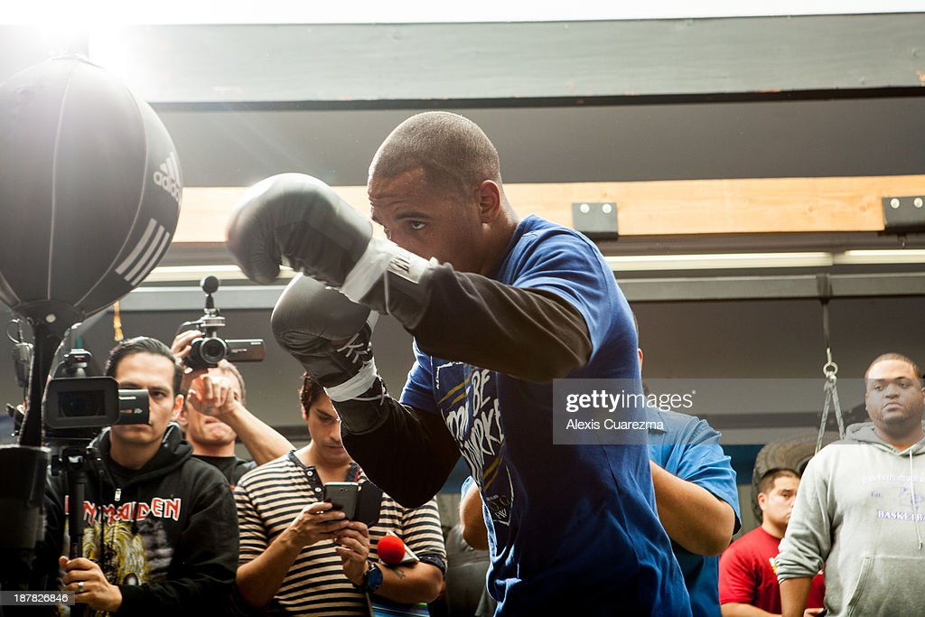 Super Middle Weight <a gi-track='captionPersonalityLinkClicked' href=/galleries/search?phrase=Andre+Ward&family=editorial&specificpeople=217398 ng-click='$event.stopPropagation()'>Andre Ward</a> holds a media day workout at Warzone Boxing Club to promote his November 16 fight with Edwin Rodriguez on November 12, 2013 in Rancho Cucamonga, California.