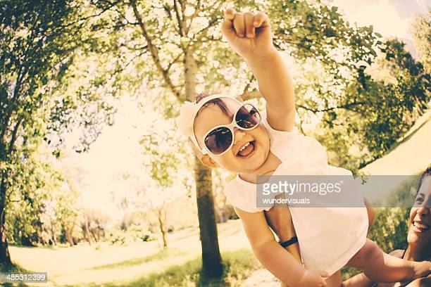Superbaby mit Sonnenbrille