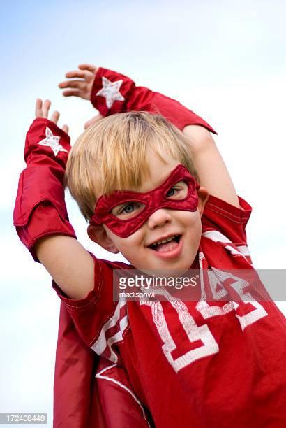 少年スーパーヒーローのコスチューム