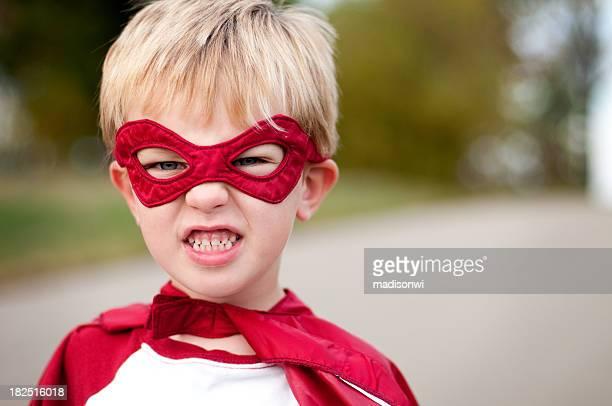 スーパーヒーローの顔