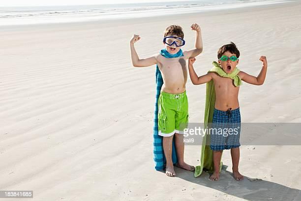 Les super héros sur la plage