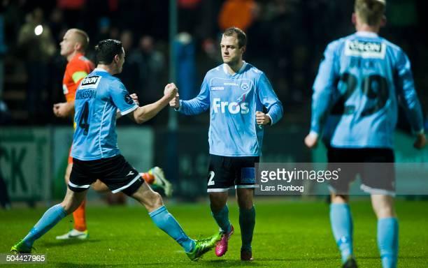 Superliga SønderjyskE vs Esbjerg Daniel Jensen Sønderjyske scorer på straffespark til 10 mod Keeper Frederik Rønnow Esbjerg © Lars Rønbøg...