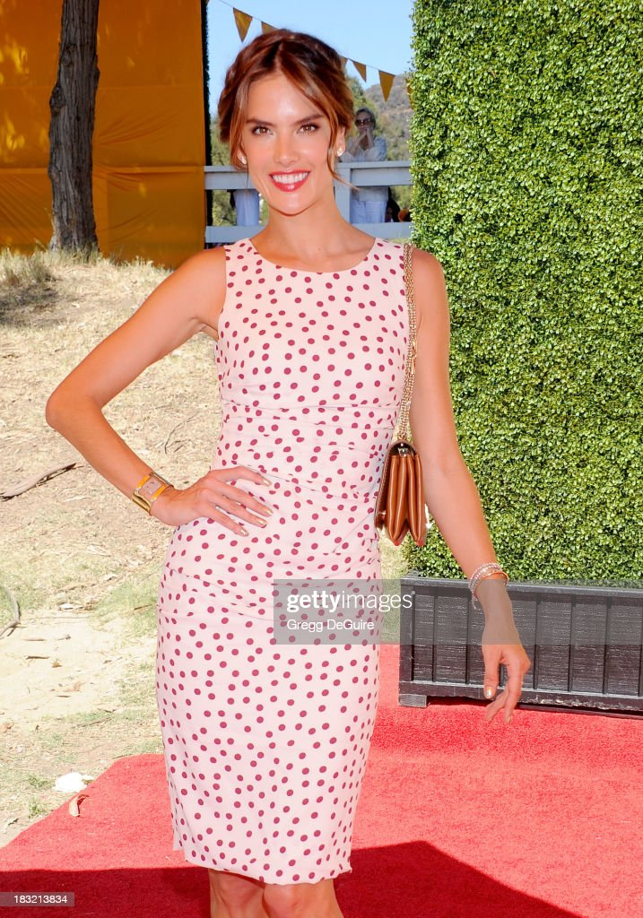 Supermodel Alessandra Ambrosio arrives at the Veuve Clicquot Polo Classic at Will Rogers State Historic Park on October 5, 2013 in Pacific Palisades, California.