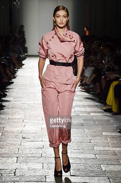Supermodel Gigi Hadid walks the runway at the Bottega Veneta Spring Summer 2017 fashion show during Milan Fashion Week on September 24 2016 in Milan...