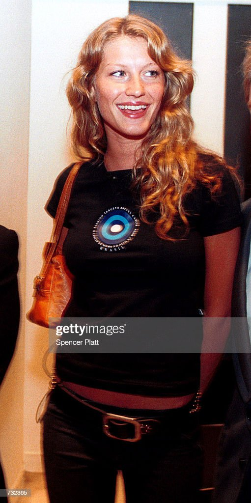 Supermodel Gisele Bundchen poses September 19, 2000 during Fashion Targets Breast Cancer 2000 at Saks Fifth Avenue in New York City. The event kicked-off a shopping weekend where 2% of all sales will go to breast cancer charities.