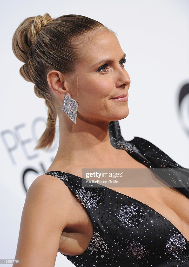 Supermodel <a gi-track='captionPersonalityLinkClicked' href=/galleries/search?phrase=Heidi+Klum&family=editorial&specificpeople=178954 ng-click='$event.stopPropagation()'>Heidi Klum</a> arrives at The 40th Annual People's Choice Awards at Nokia Theatre L.A. Live on January 8, 2014 in Los Angeles, California.