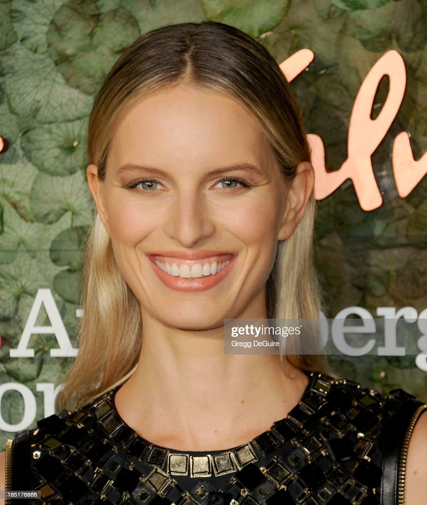 Supermodel <a gi-track='captionPersonalityLinkClicked' href=/galleries/search?phrase=Karolina+Kurkova&family=editorial&specificpeople=202513 ng-click='$event.stopPropagation()'>Karolina Kurkova</a> arrives at the Wallis Annenberg Center For The Performing Arts Inaugural Gala at Wallis Annenberg Center for the Performing Arts on October 17, 2013 in Beverly Hills, California.